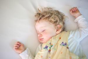Babyschlafsack selber nähen – so geht's