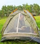 So schützen Sie sich während des Campens vor Insekten und anderem Ungeziefer